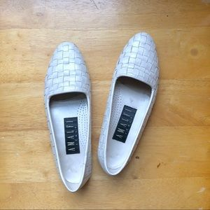 VINTAGE WHITE WEAVED LEATHER FLATS